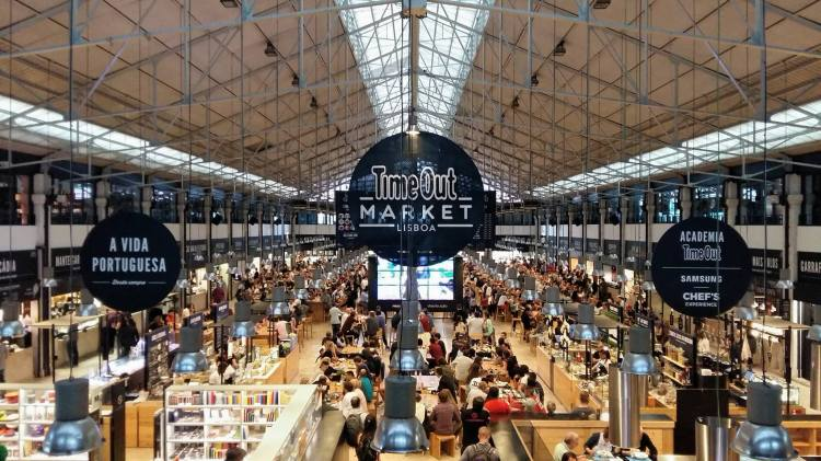 time-out-market-mercado-da-ribeira-marche-lisbonne-cais-do-sodre